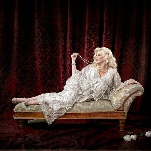 woman on chaise lounge portrait - portrait - harderlee
