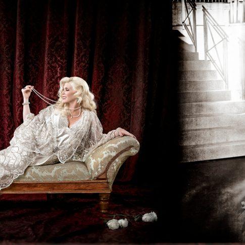 vintage women portraits - performing arts - harderlee