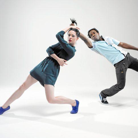 dance pulling hair - performing arts - harderlee
