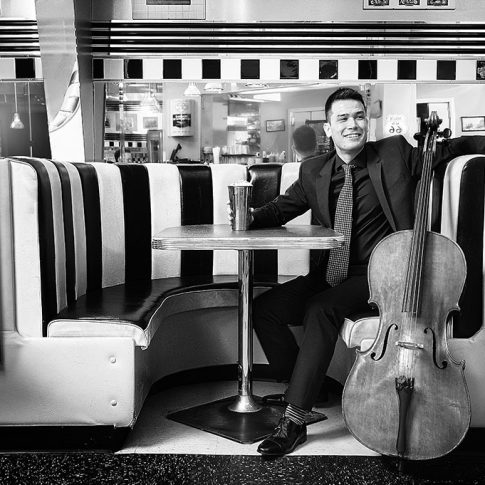 kanes diner cello - portrait - harderlee