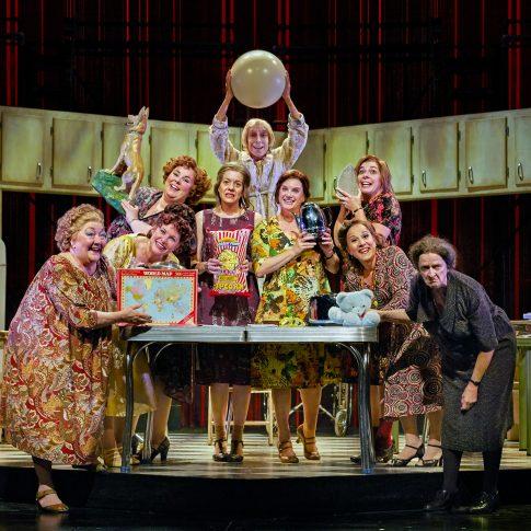 sisters theatre - performing arts - harderlee
